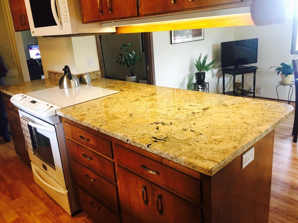 Image Galley Kitchen in Golden Beach Granite