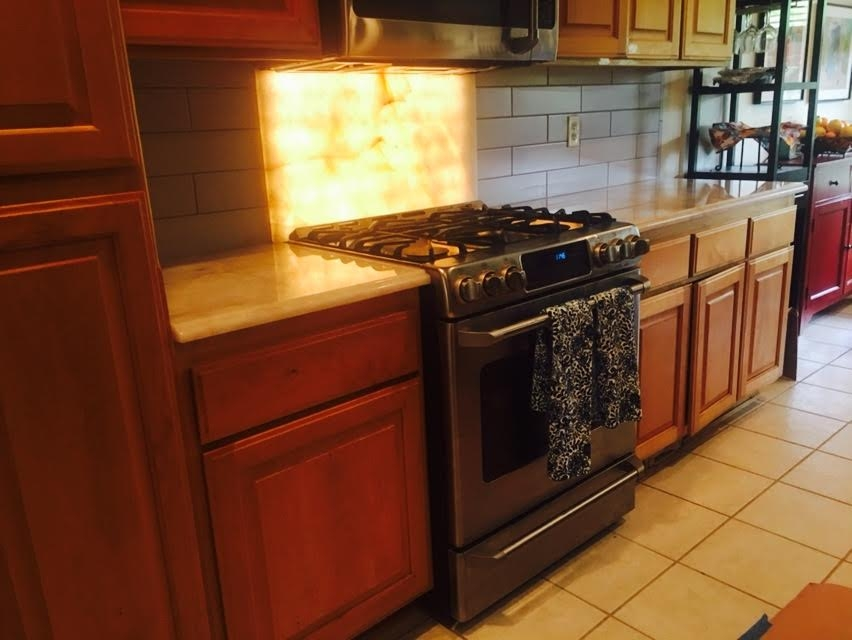 Image Back-lit backsplash in Crystal Quartzite